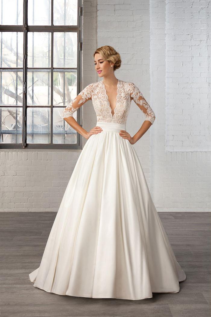 vintage saténové a krajkové šaty so stredne dlhými rukávmi 1a1be897bbb