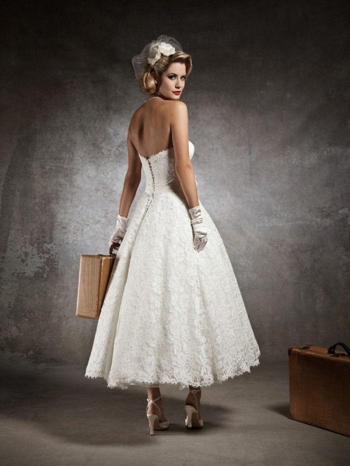 fd8d9d23bcc9 vintage brudekjole med korsett