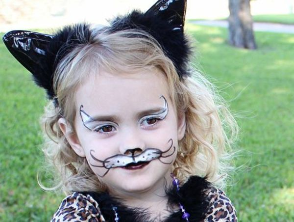 O Idee Diy Make Up Pentru Pisici