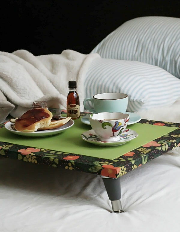 Ontbijt-in-bed-grote-tray-in-Green