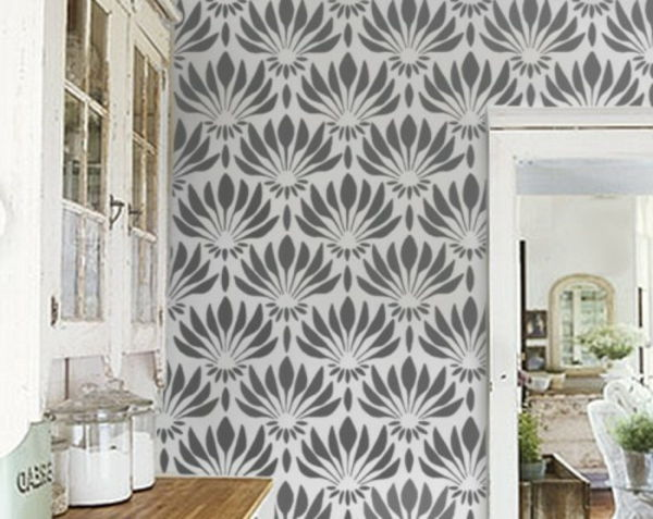 Art Nouveau - ornamenter-floral-as-wallpaper-in-the-kitchen-grå-og-hvitt