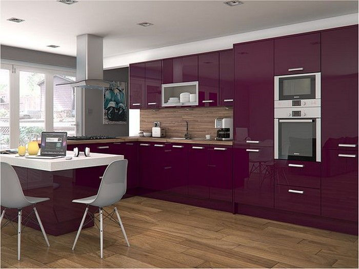 cucina-in-viola-set-a-appariscente-design