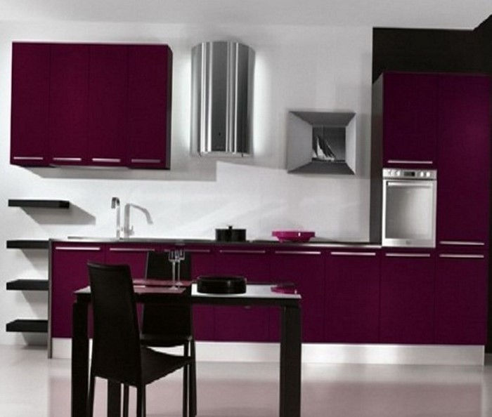 cucina-in-viola-set-a-moderno-interior