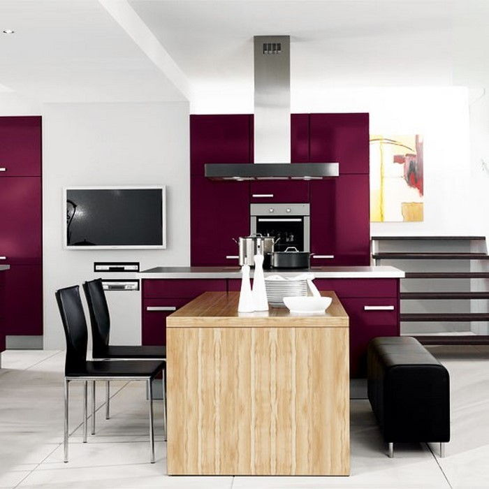 cucina-in-viola-set-a-super-interior