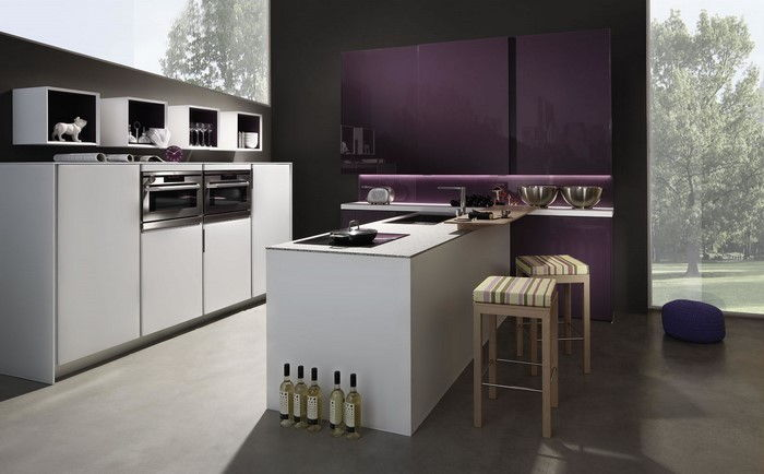 cucina-in-viola-set-a-great-decisione