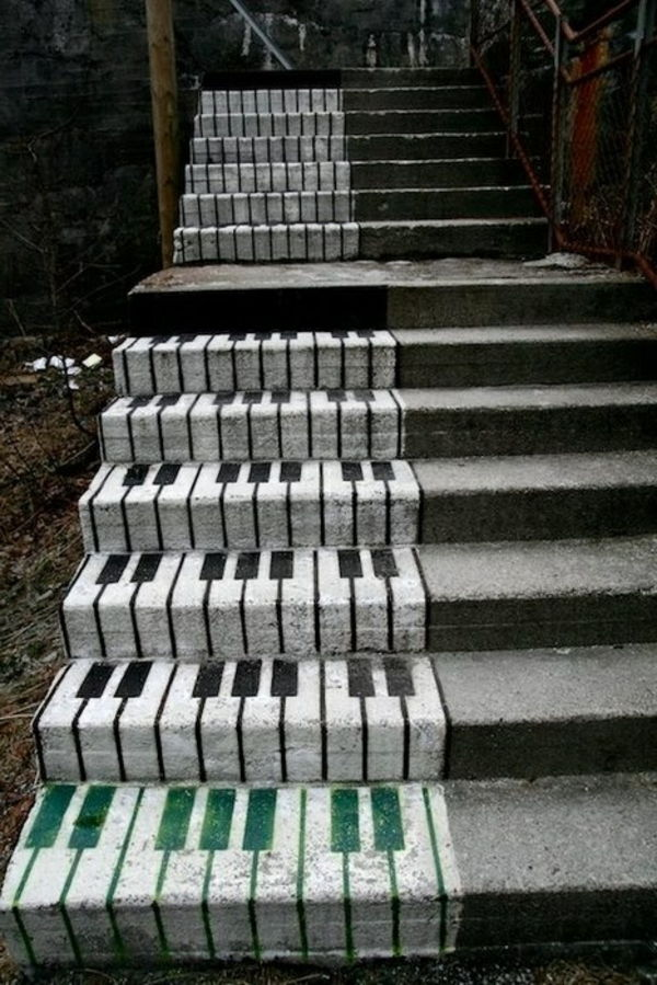 Piano trap-on-the-road