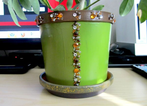 flowerpots-self-make-green-with-elements - 녹색 식물