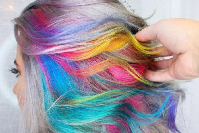 Păr Colorat Curcubeu Strălucitor Pastel Delicat Sau Culori Ușor