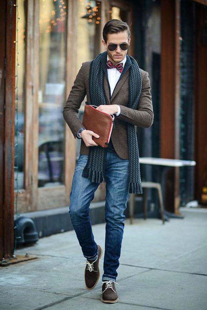 obchodné príležitostné pánske hnedé sako šatku v šedo-hnedé topánky a tašky  okuliare tričko s 447ddb9234a