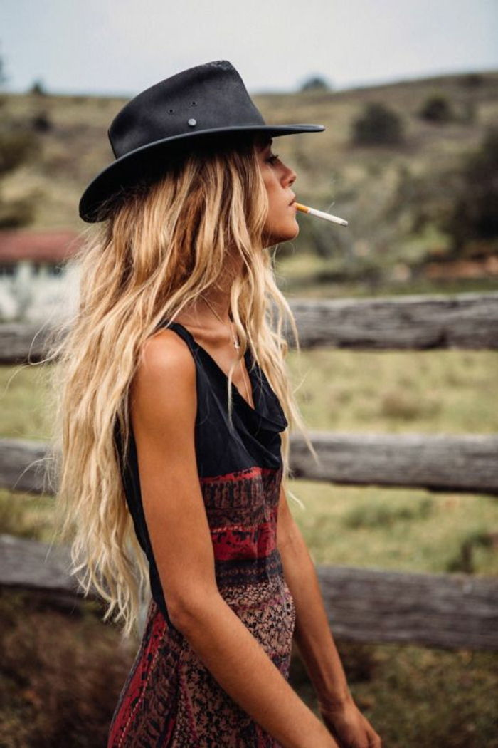 koele outfit Chic-boho-dress-black-hat