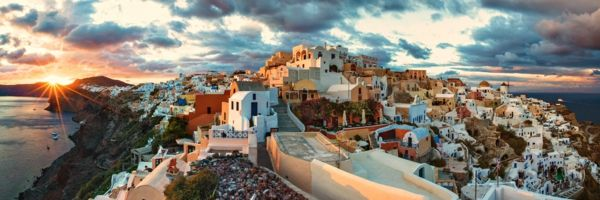 dark-sky-over-Santorini
