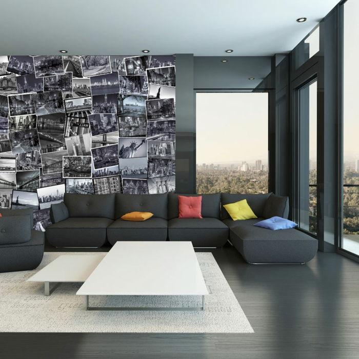 Uma Sala De Estar Mobilada Preta Com Colagem De Fotos De Fotos Em Preto E  Branco