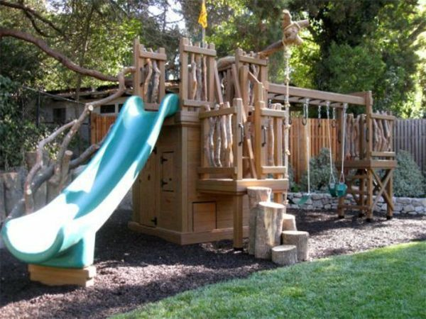 -Tuin huisje-met-slide-to-play-cool-ideeën-for-the-kind-