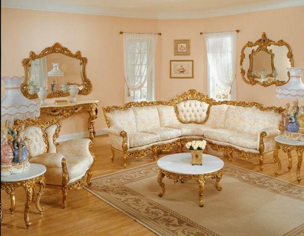 Allestimento con i colori: pittura murale dorata e mobili ...