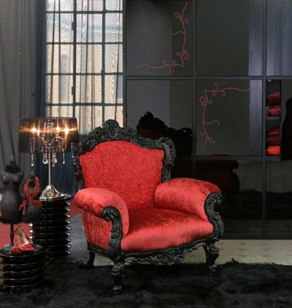 gothic-chair-in-rood