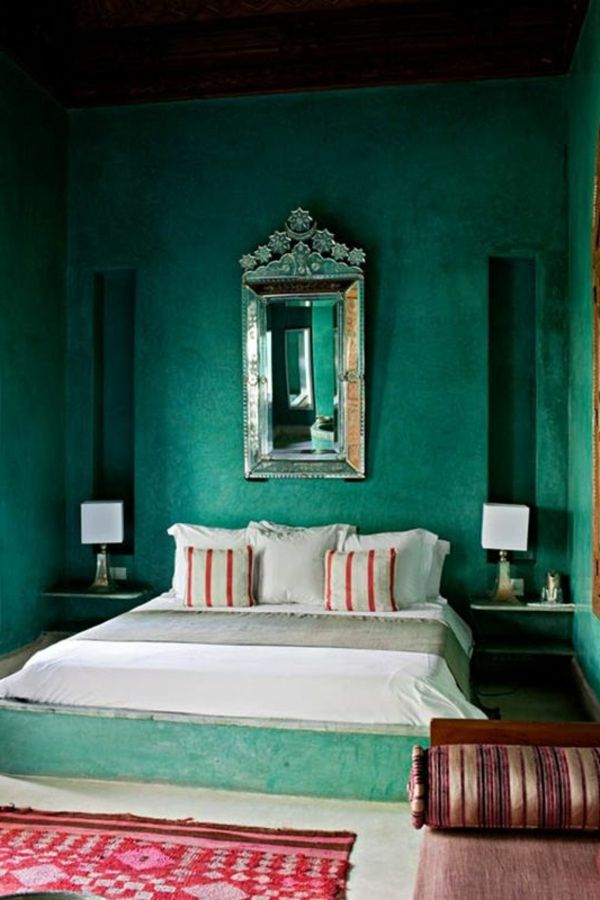 groen-wall design-for-kamer-koeler-mirror-on-the-wall