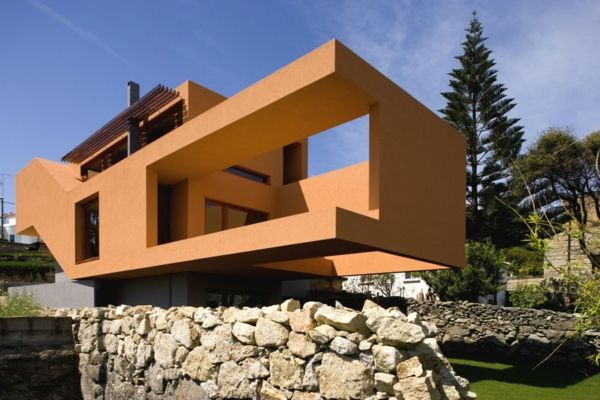Hausfassade-color-modern-house-in-orange