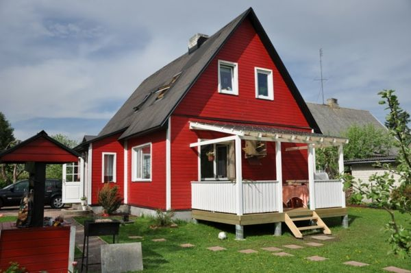 Hausfassade-color-red-house