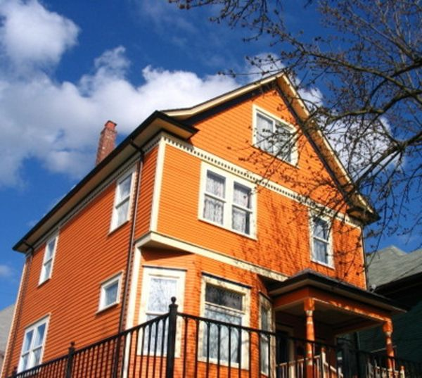 Hausfassade-color-mooi-house-in-orange-ontworpen