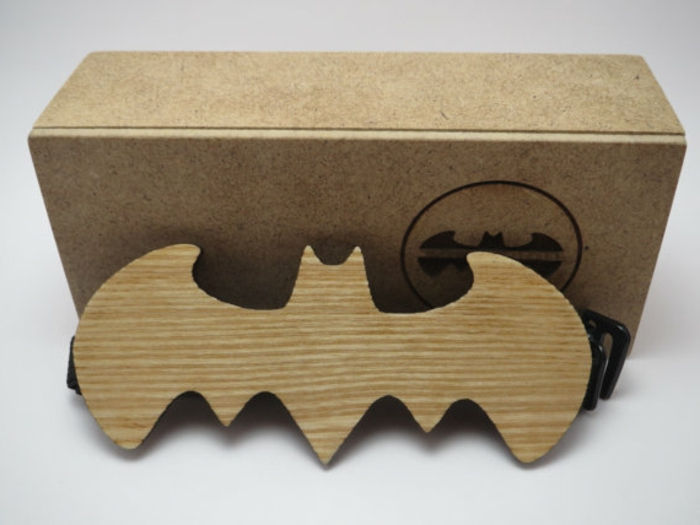 majica-z-fly-pra-in-kreativno-design-of-fly-Batman-design ideja-einzigaritg-metuljčki-Mascherl