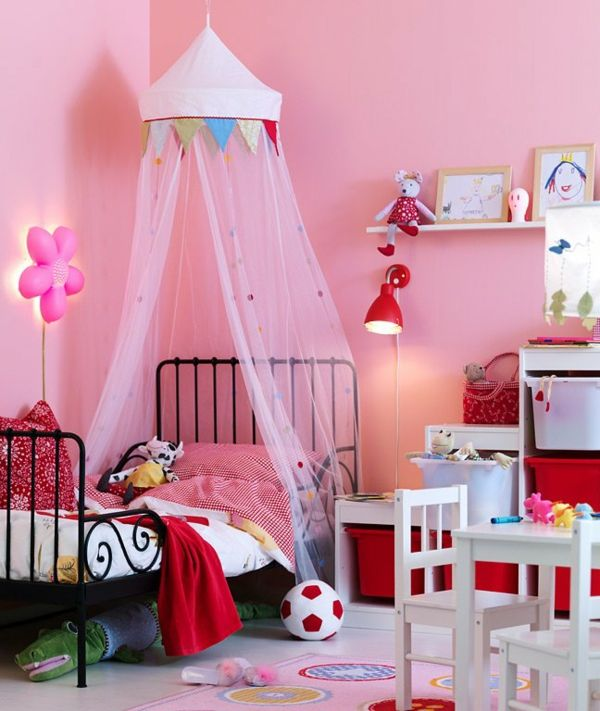 himmerlbett-nursery-rosy-curtains-rosy-wall-paint-cute look