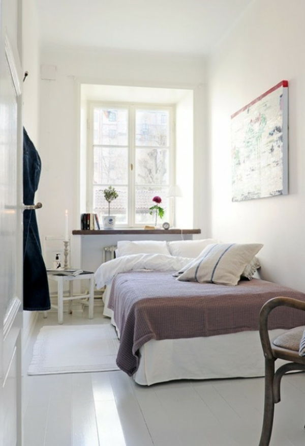 små-space-set bed-in-white-sovrum