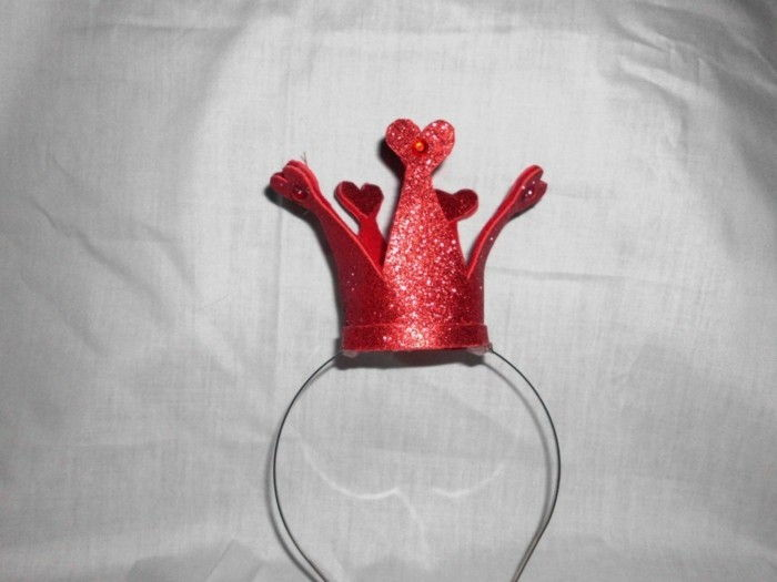 crown-carnaval-in-red-color