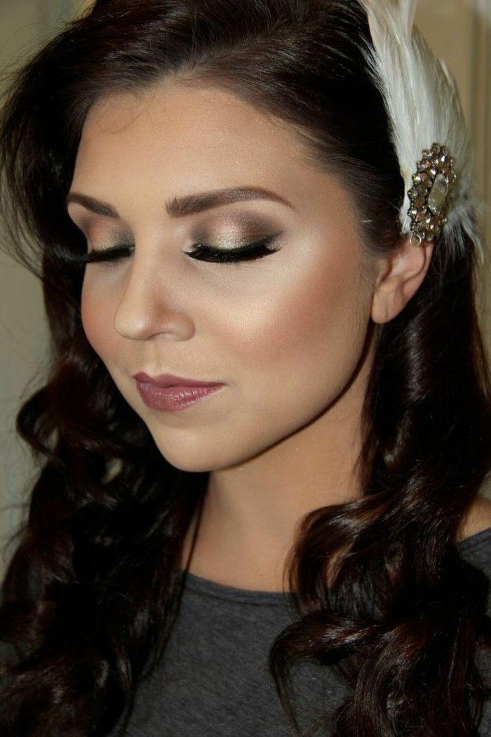 make-up-per-matrimonio-bruno-donna-con-decorazioni-in-the-capelli-bianco-loop-trucco-trucco