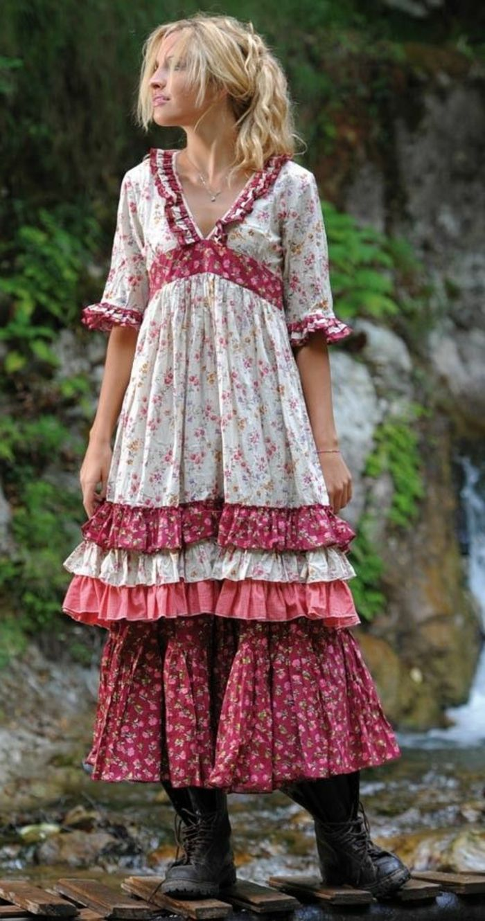 Multilayer-boho dress-rood-wit-male boots