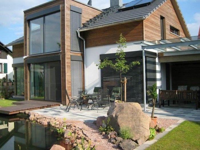 Het amerikaanse houten huis met veranda