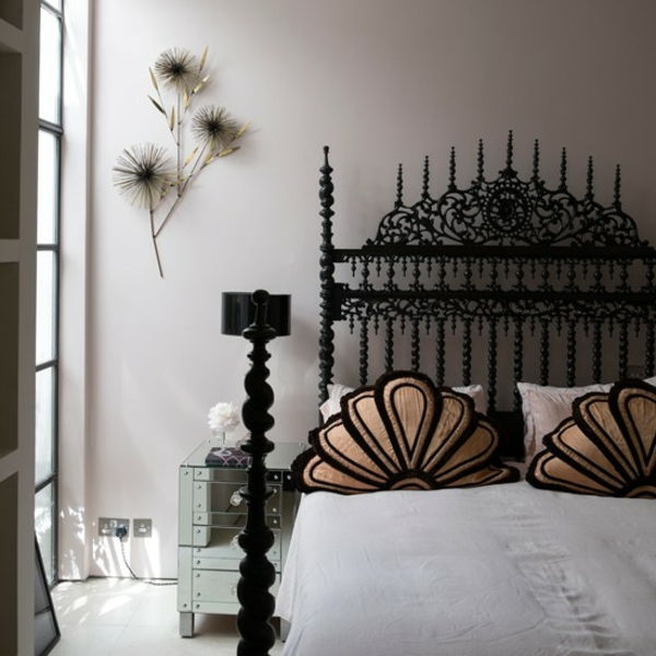 modern-gothic-room-with-a-bed