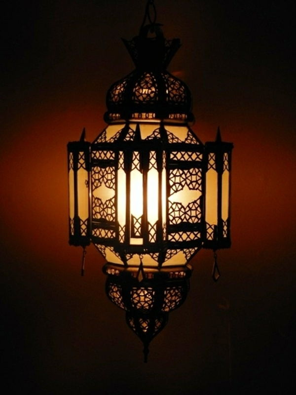 design orientale-lampada-in-the-dark-camera-elegante