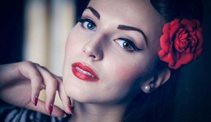 rockabilly pričeske-50-let-style krasen-make-up