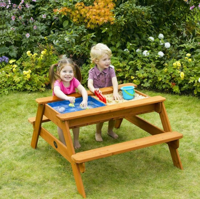 sandkasse-of-wood-table-modell-med-seterader,