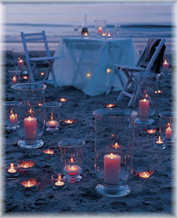 bright-beach-table-and-deco