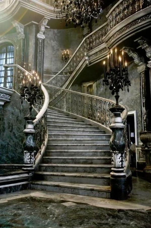 mooi-gothic-stairs